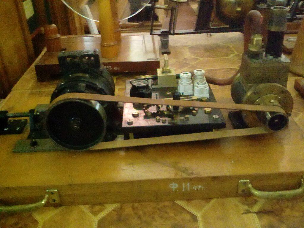 Макет СЭЛ двигателя музей физики МГУ
